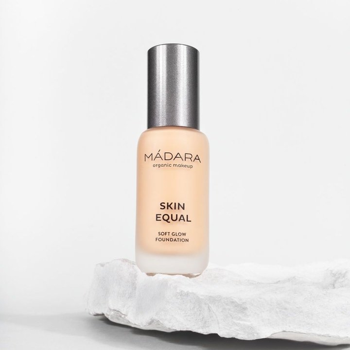 Skin Equal Foundation SPF 15